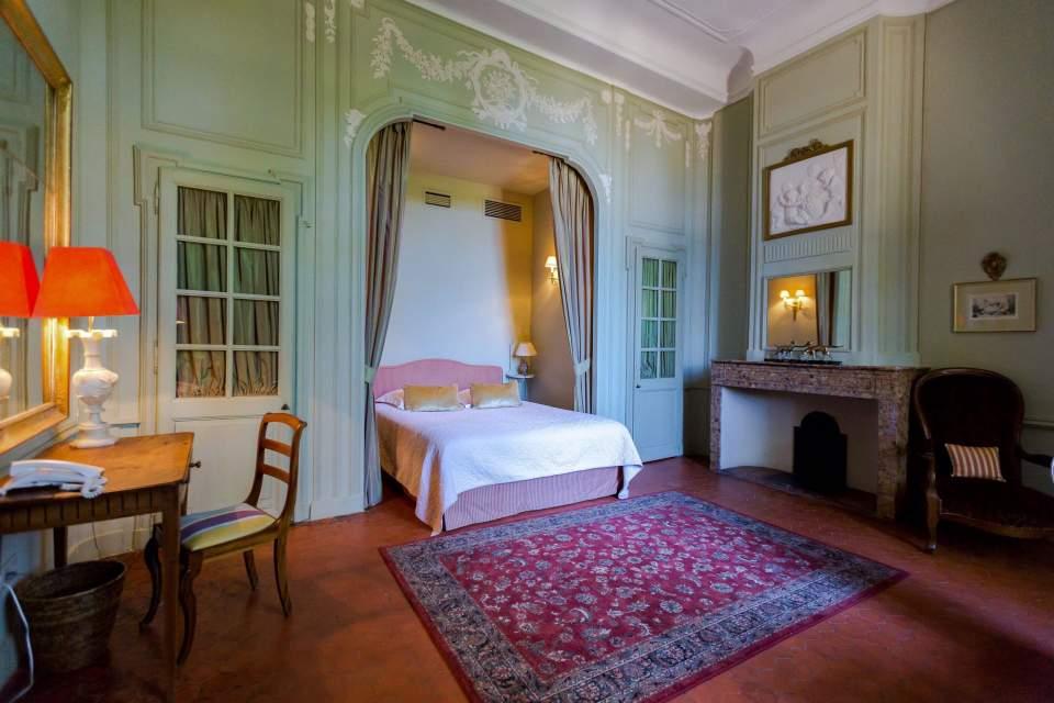 suite hotel chateau de roussan