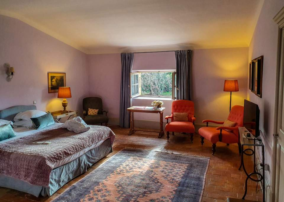 junior suite hotel chateau de roussan