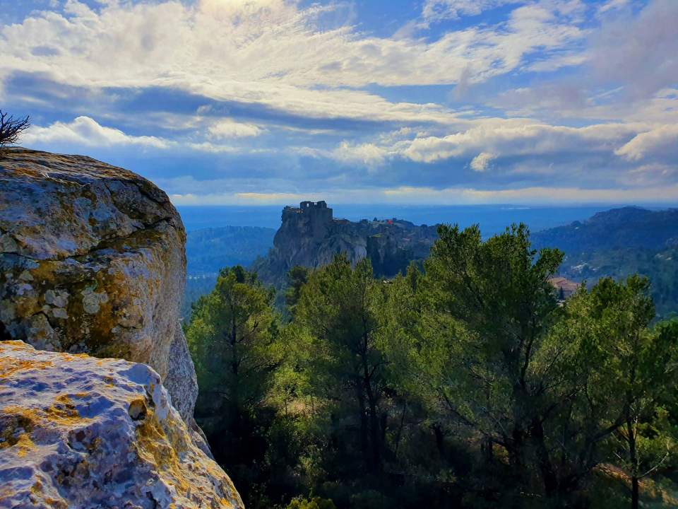 leases of provence, alpilles, classified village provence