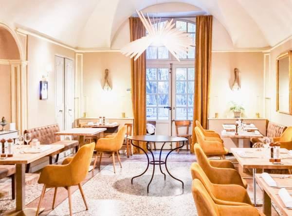 déjeuner au Château de Roussan